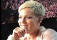 Pink surprise par une fan en plein concert !