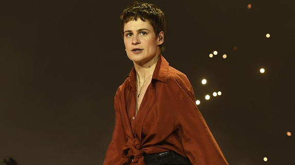 Christine and the Queens victime d'attaques homophobes — Violence