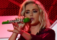 Katy Perry ridiculise Donald Trump en live