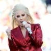 Lady Gaga chante l'hymne national américain au Super Bowl 2016 : photos