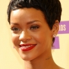 Rihanna : son nouveau look aux MTV Video Music Awards 2012 (photos)